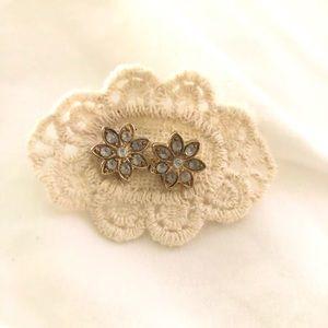Flower studded earrings